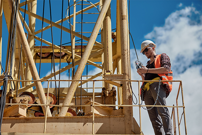 uniqco-remote-control-on-construction-site